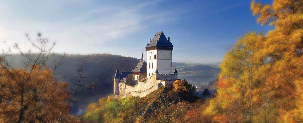 Burg-Karlstein-1500x613